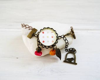 Vintage linen costume bracelet and its cabochon with polka dots