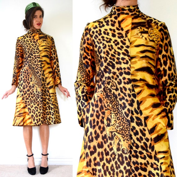 Vintage 60s 70s Jungle Cat Print Rain Coat (size small, medium)