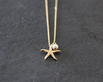 Gold Starfish and Freshwater Pearl Necklace, Elegant, Modern, Everyday, Friend, Sister Gift, Wedding