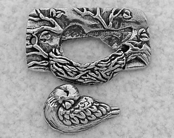 Green Girl Studios Pewter Nesting Bird Toggle