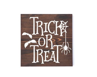 Large trick or treat sign