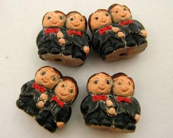 20 Tiny Groom and Groom Couple Beads - CB796