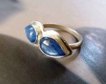 Kyanite moustache silver ring, handcrafted coctail ring, metalwork, Valentines day gift, blue gem ring, gift for girlfriend, gift for mother