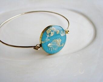 Gold Flake Bangle Bracelet, Blue Stackable Bracelet, Boho Statement Bracelet, Resin Jewelry, Minimalist Gift Ideas