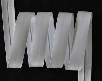 roll of 20 meters DMC Fillawant 20mm white satin bias