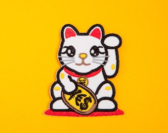 Lucky Cat Maneki-neko Patch - Made with Vegan Iron-On Adhesive - Embroidery Sewing DIY Customise Denim Cotton Chinese Japanese Asia Kitten