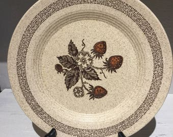 Homer Laughlin Strawberries Stoneware Dinner Plate HLC287 Speckled Tan Brown