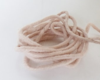 4 meters of cord felted pink nude - 5 mm - felted wool - deco Hygge