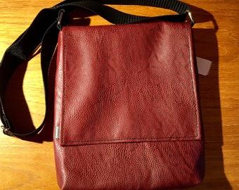 Vegan Messenger crossbody bag