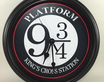 HARRY POTTER, Platform 9 3/4, Nine and three quarters, Kings Cross Station, Wall Clock Novelty Potterhead Gift