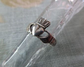 vintage sterling silver ring - Irish, claddagh, size 7