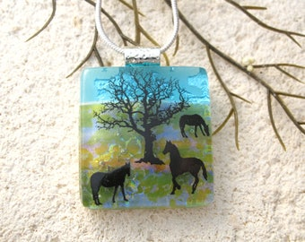 Horse Necklace, Fused Glass Jewelry, Dichroic  Pendant, Dichroic Glass Jewelry, Handmade Jewelry, OOAK Pendant, ccvalenzo, 012118p101