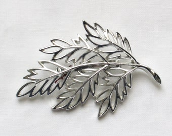 Vintage Shiny Silver Tone Sculpted Open Leaf Brooch