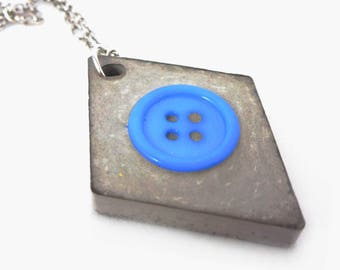 Concrete button Chain