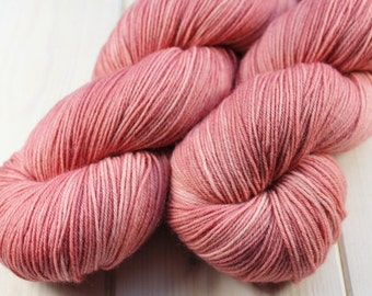 Skein hand - dyed Fingering - Merino & Nylon - 100 g / 425 m - Carnation