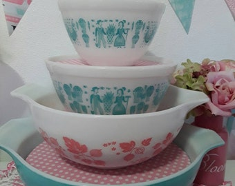 Pyrex bowl display stacking solution/vintage pyrex bowls/pink and white polkadots