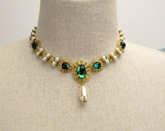 Milady Pauline Necklace green gold, renaissance necklace, renaissance jewelry, Victorian necklace, Tudor jewelry, fantasy green (2980jn)