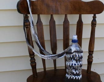 Brown Ombre Water Bottle Tote, Crochet Bottle Bag, Crossbody Water Bottle Carrier, Hands Free Bottle Bag