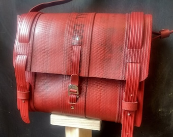 EVERS-OM-posts, messengerbag, fire hoses, rugged, stylish, upcycle, vegan
