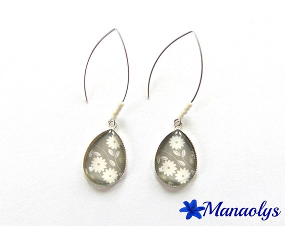 Earrings white flowers on gray background, silver, stud earring form drop, glass cabochons