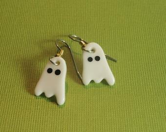 Mini boucles Ghost boucles d'oreilles en porcelaine fait main bijoux en céramique