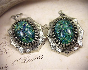 Teal Green Renaissance Earrings, Faire, Antiqued Silver Jewel Earrings, Tudor Earrings, Renaissance Wedding, SCA Jewelry, Medieval, MedCol