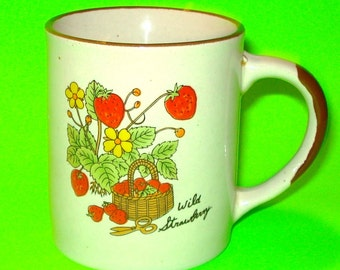 Vintage 1970s Wild Strawberry Cottage Country Chic Garden Coffee Mug