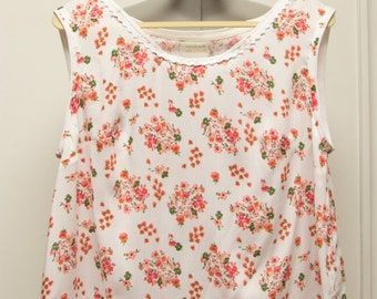 Woman's L/XL floral rayon challis pullover top with lace
