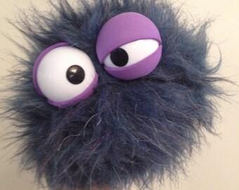 Handy Monster - Bumbling Blueberry