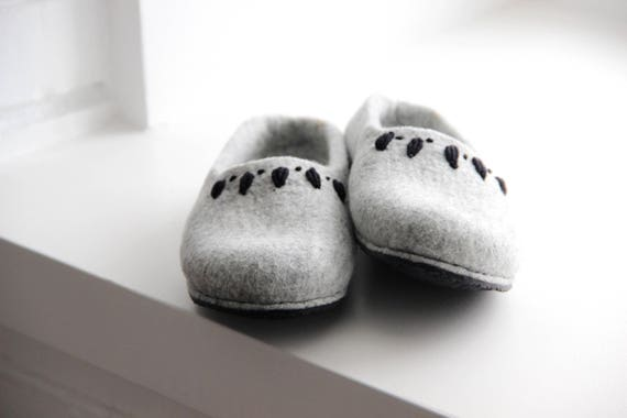 women day homeshoes gift slippers slipper gift felted houseshoes Mothers handmade slippers Mom womens eco for Grey valenki friendly FEnBC