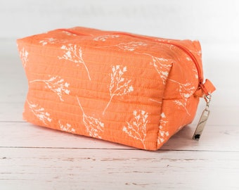 Medium box corner zippered pouch