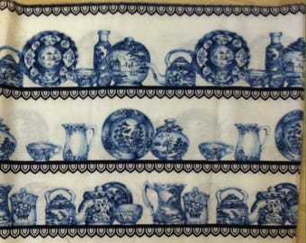Blue pattern fabric printed old dishes