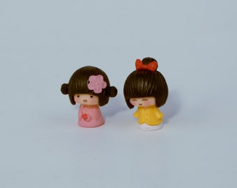 2 PC Girls with pink and yellow  Miniature Garden Plants Terrarium Doll House Ornament Fairy Decoration AZ7989