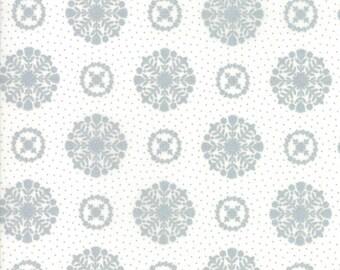 Vintage Holiday (55166 18M) Metallic Silver Snowflakes Bonnie & Camille