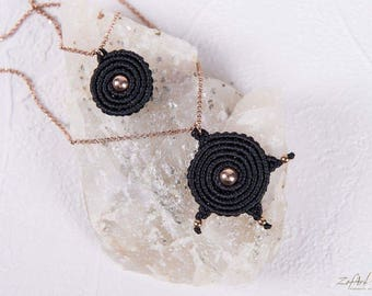 Set of two black macrame spirals necklace, one short and one long, with rose gold plated silver 925 chain and beads.