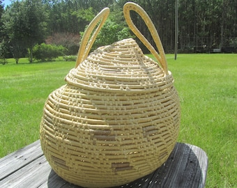 Large Basket, wicker basket, round basket, Large basket with lid