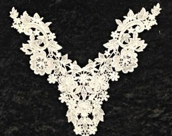 White Venise Lace Center Piece Applique for Bridal, Apparel or Crafts