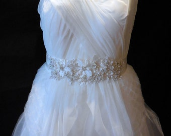 Bridal wedding ivory rhinestones floral beaded sash belt / bridal wedding rhinestones sash belt is for sale.