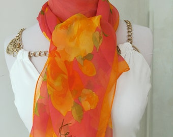 Women's scarf in vintage silk pink with flowers.