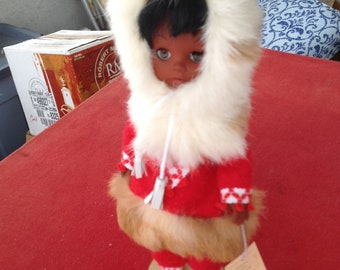 Vintage Indien Indian Art Eskimo Doll Native American Canada with tag