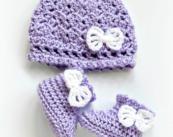 Crochet Pattern, Baby Hat and Booties set, Georgie, PDF 17-322