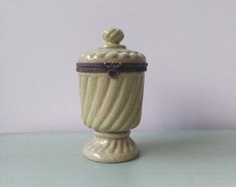 Small green ceramic urn light Crackle effect clasp bronze