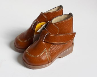 French vintage 70's / kids / shoes / booties / brown leather / new old stock / size 18 ( EU ) / 3,5 ( US ) / 3 ( UK )
