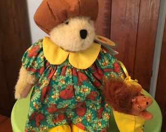 """Muffy Vanderbear  """"A Walk in the Park"""" """"Squir'l friend"""" NWT-Excellent"""