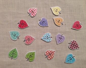 Set di 10 bottoni legno a forma di foglia colori assortiti