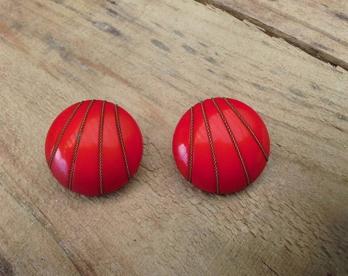Art Deco Red Plastic Resin with Twisted Brass Rope Clip On Earrings