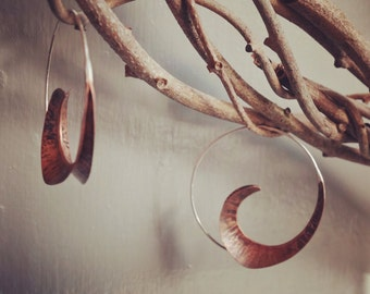 Fine handcrafted designer jewelry, copper earrings, hammered texture, foldform, unique hand made, anticlastic jewelry, sculptural earrings,