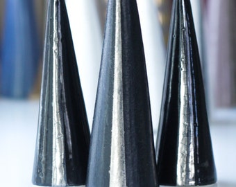 Modern Ceramic Ring Cone Holder Storage Jewelry Organization Display: Black Silver Stripe