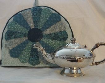 Dresden Plate Tea Cosy