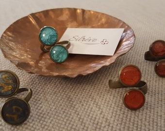 Double round shape ring, adjustable size, varnished by hand